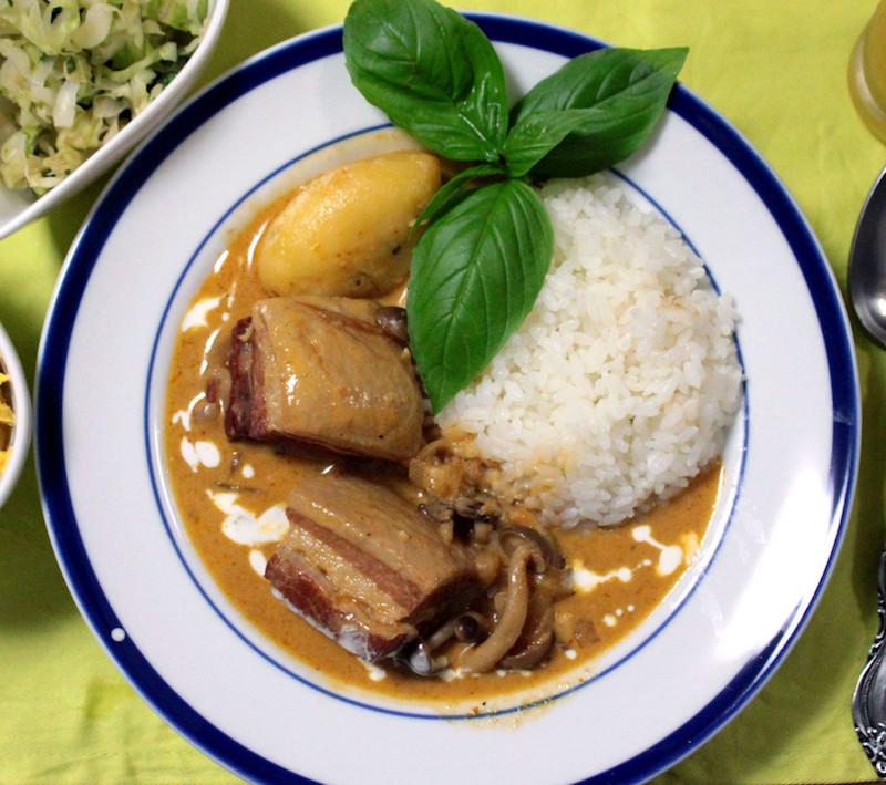 豚バラ肉のレッドカレー